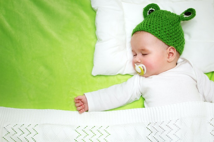 Top 10 Best Baby Blankets In 2020 (Knitting, Embroidered And More)