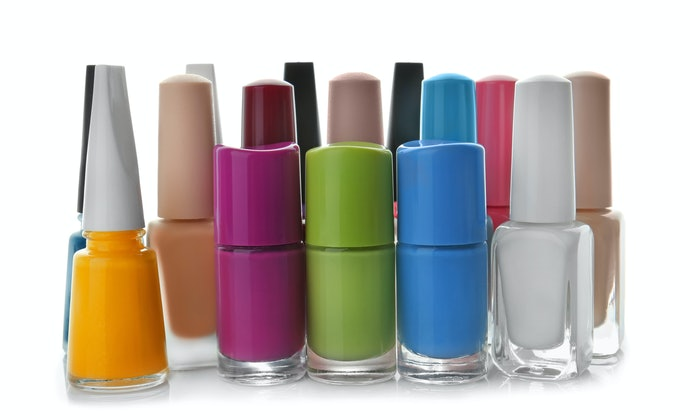 Top 10 Best Buy Varnishes In 2020 (Risque, Anita And More)