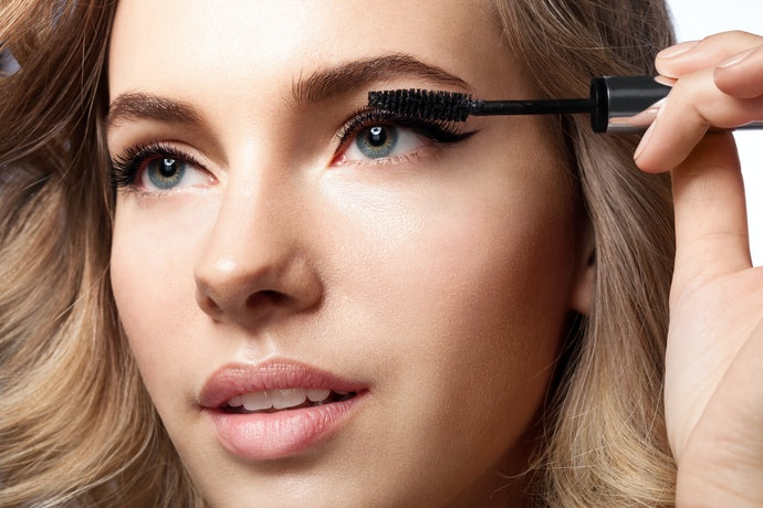 Top 10 Best Eyelashes Masks To Buy In 2020 (Ruby Rose, Maybelline And More)