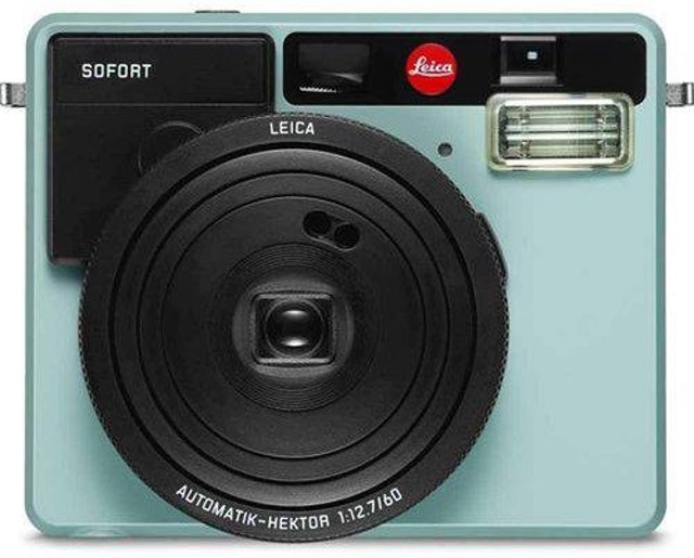 Top 10 Best Instant Cameras To Buy In 2020
