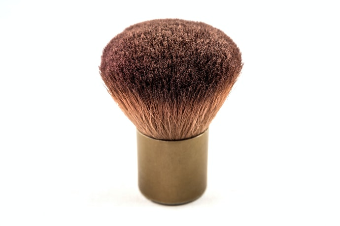 Top 10 Best Kabuki Brush To Buy In 2020 (Macrilan, Vult And More)