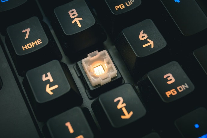 Top 10 Best Keyboards Gamers In 2020 (Razer, Logitech And More)