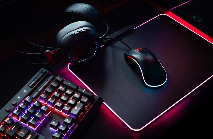 Top 10 Best Mice Gamer In 2020 (Razer, Logitech And More)