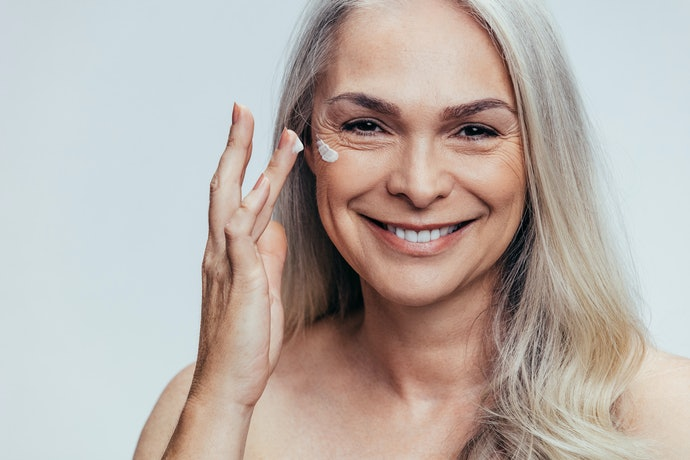 Top 10 Best Moisturizers For Mature Skin In 2020