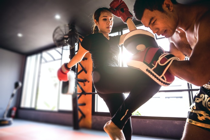 Top 10 Best Muay Thai Gloves To Buy In 2020 (Naja, Everlast And More)