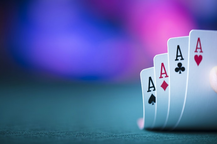 Top 10 Best Playing Cards To Buy In 2020