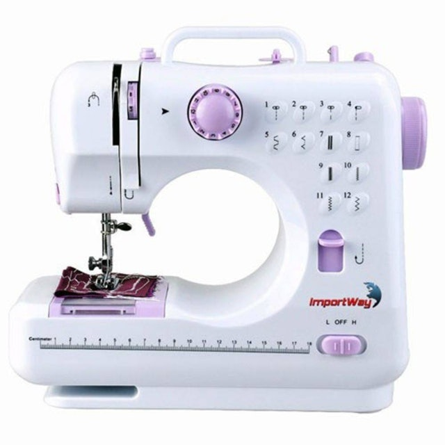 Top 10 Best Sewing Machines Compact / Laptop In 2020 (Singer, Janome And More)