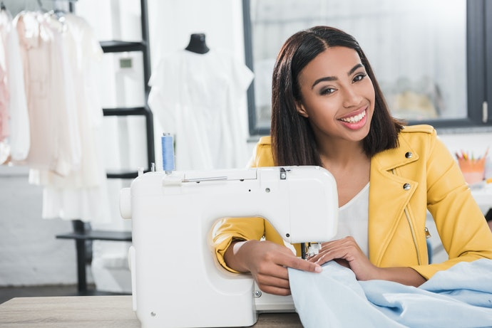Top 10 Best Sewing Machines Home In 2020 (Singer, Janome And More)