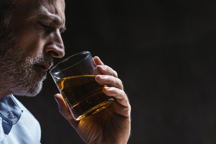 Top 10 Best Whiskys To Buy In 2020 (Chivas, Old Parr And More)